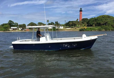 An image of the Florida Shark Diving 29' Keys craft shark diving boat.